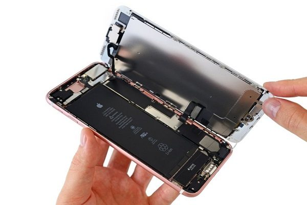 Thay Pin iPhone 8 Plus Chính Hãng Uy Tín